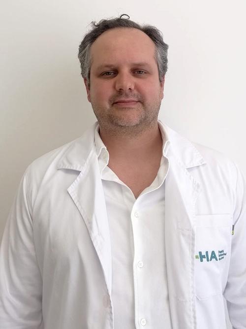 Dr. Renato Soares